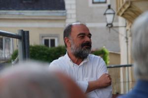 Dr. Georg Graf Spiegelfeld-Schneeburg begrüßt die Gäste