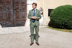 Nikodemus Graf Colloredo-Mannsfeld begrüßt die Gäste